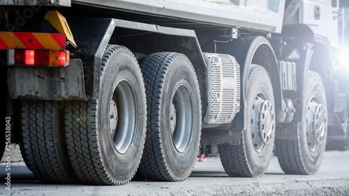 Fotografía  transport ciężki - wywrotka