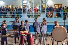 豪華客船出航セレモニー 吹奏楽部 学生