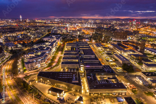 Photo sur Toile Europe Centrale Beautiful drone shot of viennas night city lights