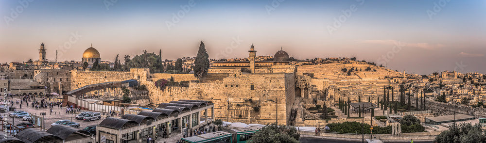 Fototapety, obrazy: Jerusalem - October 03, 2018: The Western Wall of the Jewish temple in the Old City of Jerusalem, Israel