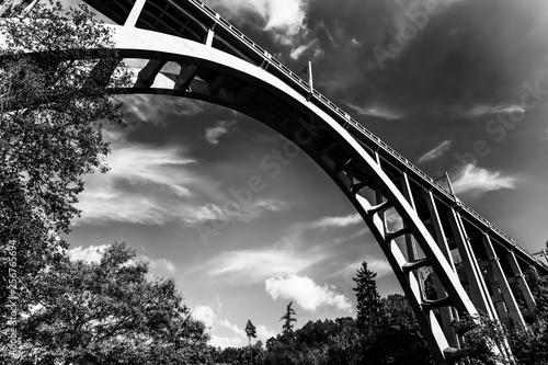 Fotografía  Bridge in Bechyne, Czech Republic.