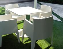 White Modern Outdoor Dining Ta...