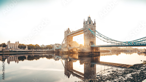 obraz lub plakat Spectacular Tower Bridge in London at sunset