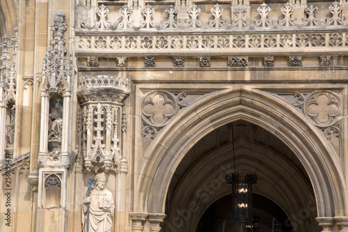 Photo  Entrance of Gloucester Cathedral