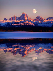Panel Szklany Góry Sunset Light Alpen Glow on Tetons Teton Mountains wtih Moon Rising