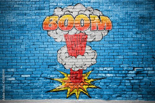 Foto auf Gartenposter Graffiti Boom Comic Explosion Ziegelsteinmauer Graffiti