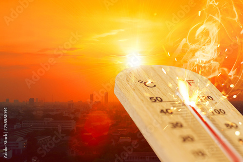 Fotografia, Obraz  summer hot weather season high temperature thermometer with city view