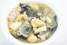 Nutritious And Delicious Yam Glutinous Rice Turtle Soup