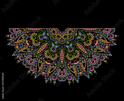 Foto Neckline ethnic design