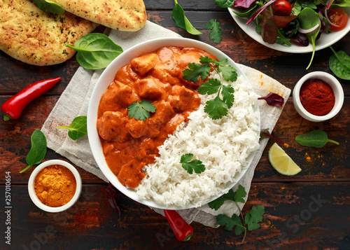 Chicken tikka masala curry with rice and naan bread Fototapeta