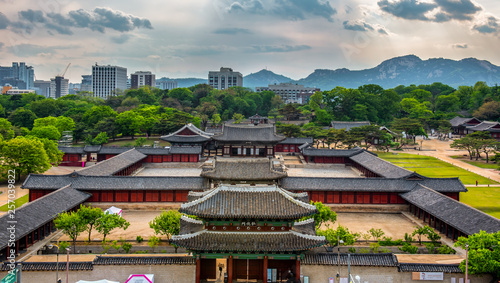 Autocollant pour porte Seoul changgyeonggung palace in Seoul South Korea