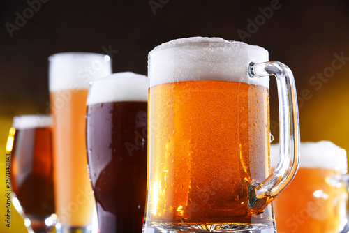 Photo sur Toile Biere, Cidre Composition with five glasses of beer