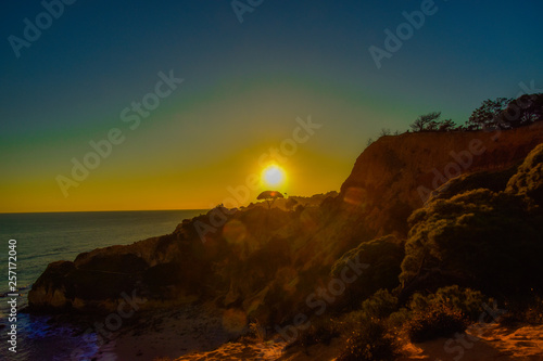 Poster Marron chocolat Sonnenaufgang, Sonnenuntergand an der Algarve Küste in Portugal Lagos, Faro, Albufeira