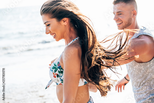 Fototapety, obrazy: Romantic love couple having a great time together outdoors,Romantic love couple having a great time together outdoors