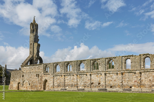 Photo St. Andrews Cathedral in St. Andrews, Scotland.