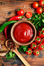 Fresh Homemade Ketchup With In...