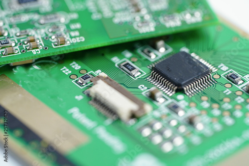Fotografiet  Computer circuit cpu chip mainboard core processor electronics device : concept of data, hardware, technician and technology