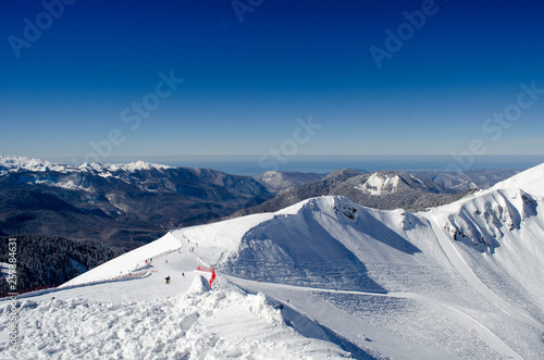 Fotografía  Amazing view of the Caucasus mountains from Rosa Peak at the ski resort Rosa Khu