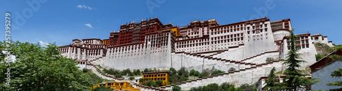 Cuadros en Lienzo LHASA, TIBET / CHINA - July 31, 2017: Magnificent panorama of Potala Palace