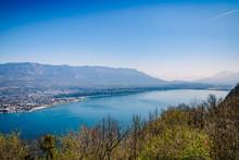 Vue Sur Le Lac Du Bourget Et A...