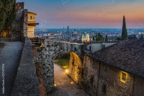 Brescia al tramonto dal Castello
