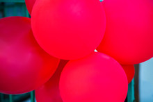 Globos Rojos Puestos Para Una Celebración Infantil  Al Aire Libre