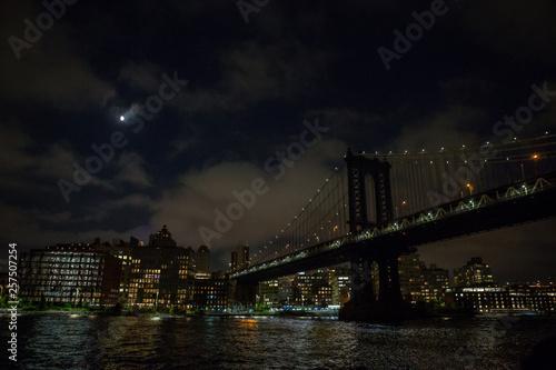 Poster Brooklyn Bridge brooklyn bridge and manhattan at night