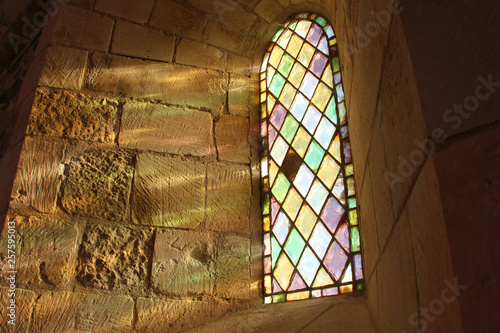 Fotografía Stained-glass window in a church (La Chaume - France)
