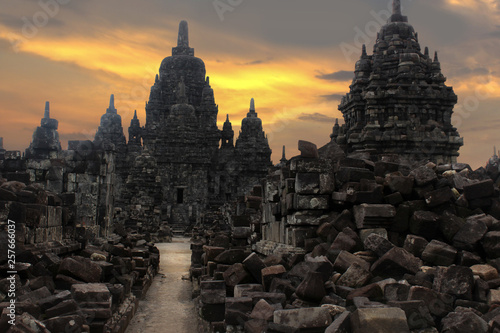 Photo sur Aluminium Monument Prambanan Temple is the largest Hindu temple complex in Indonesia which was built in the 9th century, as well as one of the most beautiful temples in Southeast Asia and is a UNESCO World Heritage Site