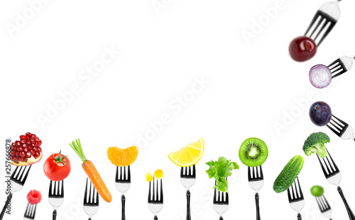 Poster Cuisine Fruits and vegetables on the forks