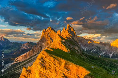 Fototapeta Amazing sunset view of Odle Mountain in Dolomites, Italy from Seceda summit. obraz