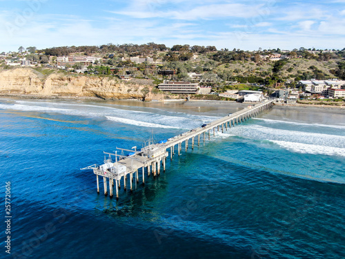 Valokuva  Aerial view of the scripps pier institute of oceanography, La Jolla, San Diego, California, USA