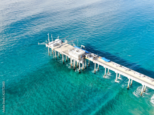 Valokuva  Aerial view of the scripps pier institute of oceanography, La Jolla, San Diego, California, USA