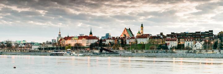 FototapetaWarsaw panorama from Praga quartier in first day of spring.
