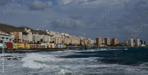 Poster Ville sur l eau Coast with swell, city and cloudy sky, Las Palmas de Gran Canaria, Canary Islands