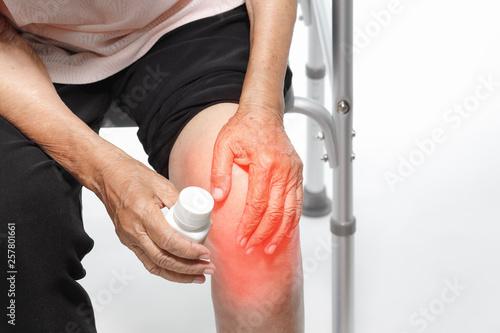 Photo  Knee Pain, Functional Impairment in Elderly