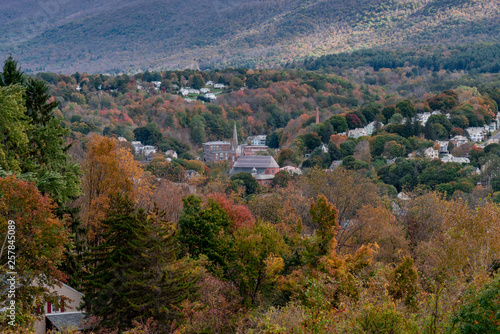Photo Adams, Massachusetts seen from Mount Greylock during fall with colorful foliage