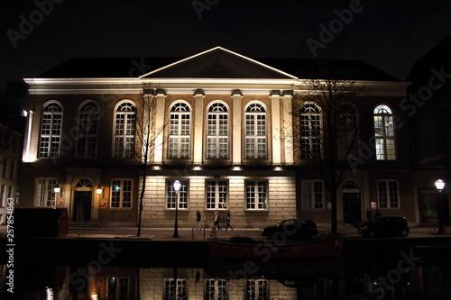 Photo  Amsterdam Gebäude bei Nacht