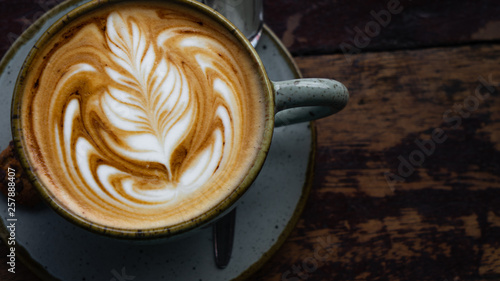 Fotografia Top down shot of a perfectly made cappuccino made with locally grown coffee with
