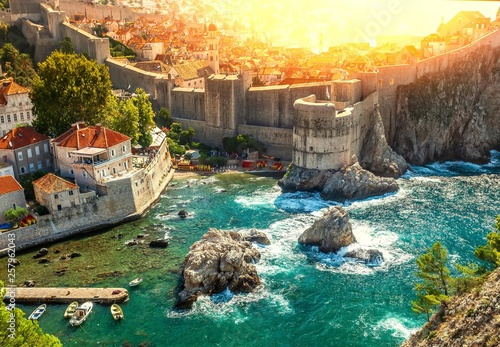 Foto op Plexiglas Mediterraans Europa Dubrovnik fortification wall in old city . Croatia