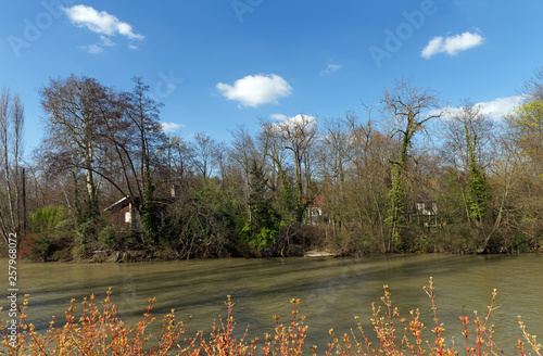 Photo Île aux loups island and Marne river bank in Le Perreux sur Marne city