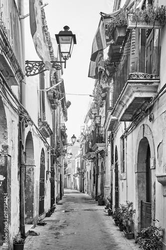 Obrazy czarno białe  uliczka