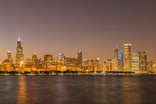 USA, Illinois, Chicago, Lake Michigan, Cityscape In The Evening