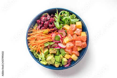poke bowl salade on white background Fotobehang