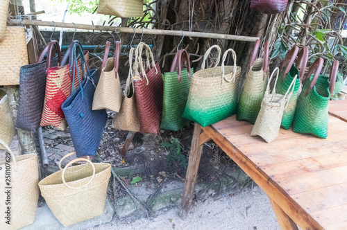 Fotografiet  row of local Woven bags at Phatthalung market, Thailand