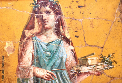 Fotografie, Obraz Figure of a woman painted in a Fresco in a Domus of Pompeii