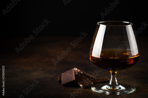 Foto auf AluDibond Alkohol Cognac or brandy and chocolate.