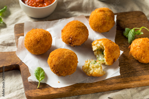 Fotografía  Homemade Deep Fried Risotto Arancini