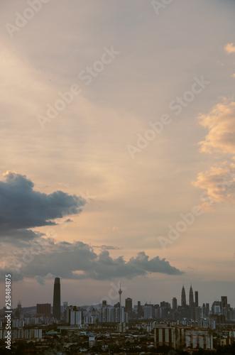 Photo  Sunset view of kuala lumpur city from bukit ampang, kuala lumpur, Malaysia