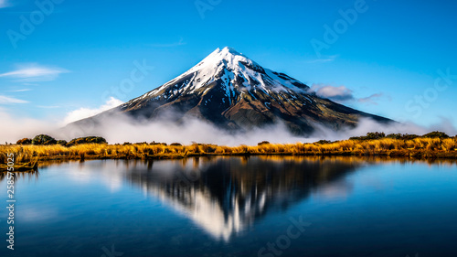 Foto Mirror lake Mount Taranaki New Zealand